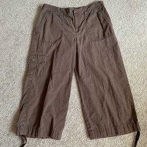 SZ M basic edition Capri pants
